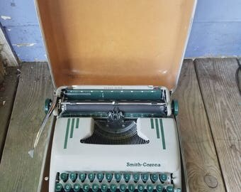 Vintage Smith-Corona Typewriter (Silent Super) 1958