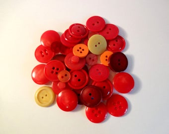 36 red orange buttons - used - couture - scrapbooking