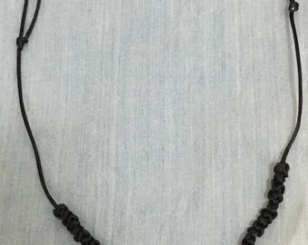 Macramé with white howlite necklace