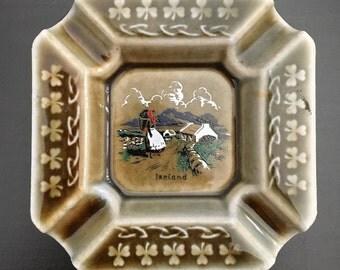 """Wade Irish Porcelain Ashtray 4"""" Square Irish Countryside Scene Shamrocks and Celtic Knots Border Ashtray"""