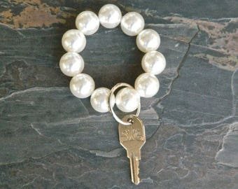 Beaded Keychain, Keychain Bracelet, Pearl Keychain, Key Wristlet, Handsfree Keychain, Bracelet for Keys, Keychain Jewelry, Fashion Keychain