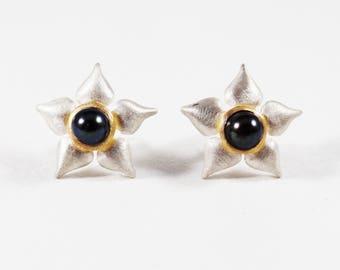 Sterling Silver 18k Yellow Gold  5.5mm Black Pearl Flower Stud Earrings