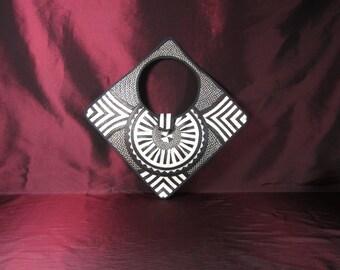 HANDMADE Diamond Shaped Colombian Cana Flecha Purse