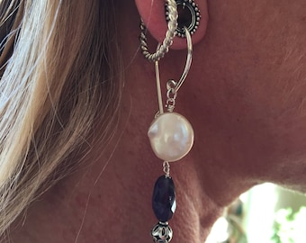 Tunnel earrings in pearl, amethyst, and silver