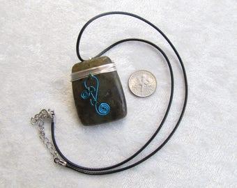Blue Flash Labradorite Pendant