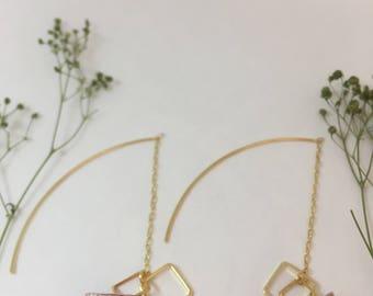 Origami crane resin cube & chain hook Japan earrings (piercing)