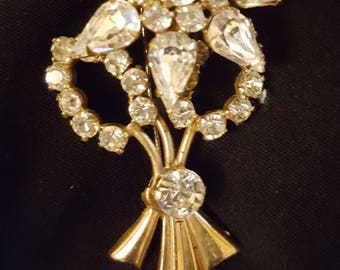 Vintage 1950s diamante brooch, gold tone