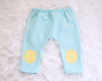 Harem pants for baby, blue and yellow knee pads with fleece inside