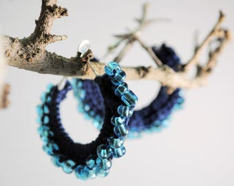 Crochet and beading-crocheted circle earrings with Beading