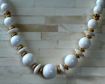 Necklace / White and Gold Tone Beads / Vintage