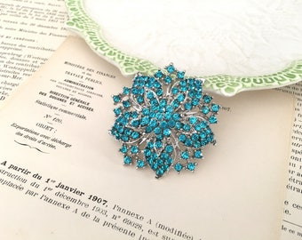 Turquoise Rhinestone Brooch.Turquoise Flower Brooch.Crystal Brooch.Pin.broach.Bridal Accessory.Bride.Bridesmaid.Turquoise Silver Brooch
