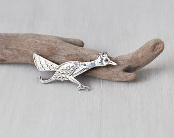 Vintage Mexican Roadrunner Brooch - 925 sterling silver etched bird pin with red eye - Mexico eagle 50 mark