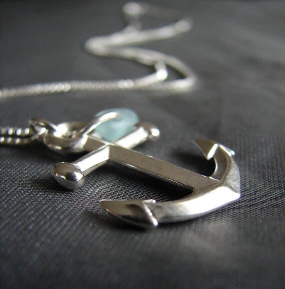 Mooring sea glass necklace in soft aqua