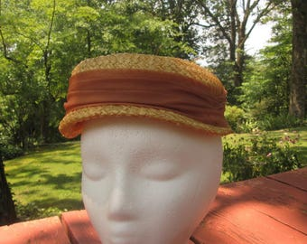 Vintage Ladies Straw Hat - 50s Small Brim Hat - Tan Straw With Brown Band and Bow