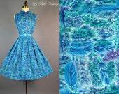 50s Feather Print Dress S Vintage Watercolor Full Skirt Sundress Blue Patent Belt