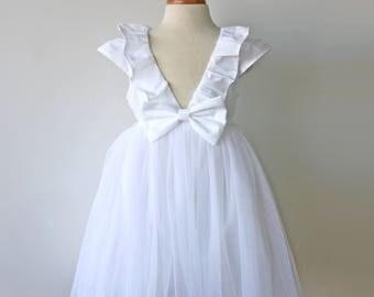 Flower Girl Dress, White Dress, Toddler Flower Girl, Tulle Dress, Beach Wedding, Outdoor Wedding, Girls Easter Dress, First Communion Dress