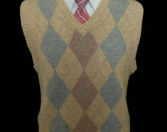 Vintage 30s Style 70s Men Sweater Vest, 1970s Intarsia Wool Blend Knit Argyle, Size Medium to Large