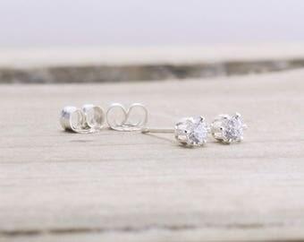 White Topaz Stud Earrings Tiny April Birthstone Earrings Dainy Gemstone Stud Earrings April Birthday White Topaz Earrings Birthstone Studs