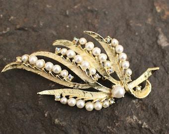 Pearl Brooch, Vintage Pearl Brooch, Leaf Brooch, Pearl and AB Rhinestones Brooch, Vintage Brooch, Gold and Pearl Brooch