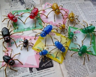 NEW style! Vintage inspired Bakelite Fakelite style Spider pin brooches by Luxulite - various colours and sizes!