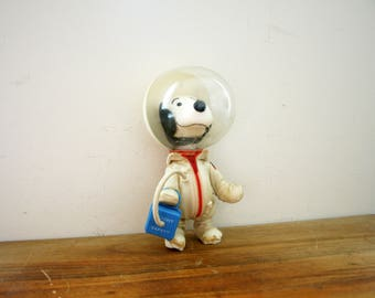 vintage 1969 Astronaut Snoopy Flight Safety 9 Inch Figure Toy United Feature Syndicate