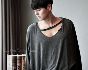 Men's gray t-shirt / loosefit-shirt / dance practice t-shirt / mens top / v-neck tshirt / dancer wear / bat wing tshirt  - KMT087
