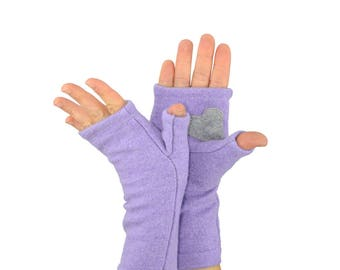 Fingerless Gloves in Mauve Lilac with Grey Heart - Recycled Merino Wool