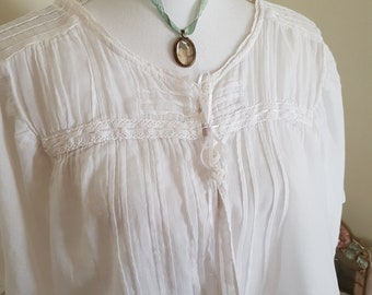 vintage victorian look top, STUNNING details, victorian blouse or jacket, 90s does edwardian, lace pintucks