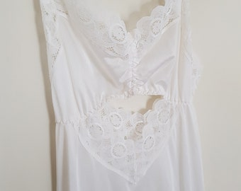 vintage 70s nightdress, long white nightgown, sexy cut away front and back, lace trimmed front split