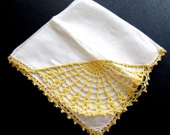 Yellow Thread Edged White Linen HANDKERCHIEF Hanky Hankie