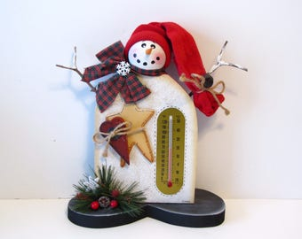 Primitive Snowman with Stocking Cap and Thermometer Shelf Sitter, Handpainted Wood, Hand Painted Winter Home Decor, Tole Decorative Painting