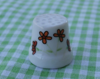 Small Vintage Souvenir Thimble New Hampshire with Flowers on Front