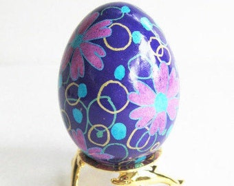 Baby's shower gifts idea for guests Blue and pink Pysanka Ukrainian Easter egg batik decorated genuine shell painted with hot beeswax