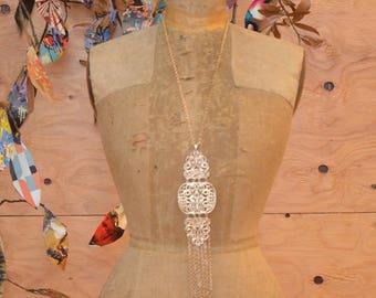 Vintage 60's Bold Dramatic Beautiful Golden BOLD Glamorous Fringe Necklace