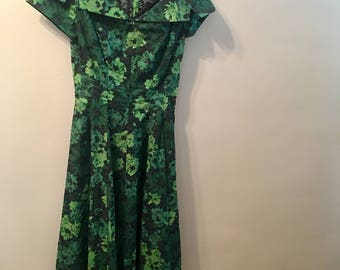 1950s Notched Placket Collar Cotton Emerald Green Dress