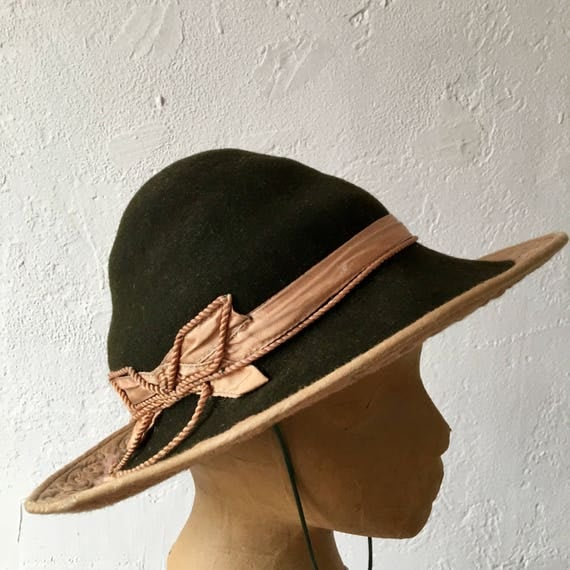 1960s Nutria English Country Peasant Hat