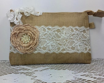 Bridesmaid Clutches, Burlap Lace Wedding Clutches, Bridesmaid Gifts, Rustic Wedding, Bridesmaid Bags, Wedding Party Gifts, Burlap Wedding