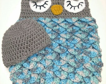 Owl newborn photo prop, sleep sack, owl baby cacoon, baby photo announcement, newborn hat and swaddle, photography prop QUICK SHIPPING