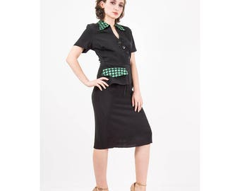 1940s dress / Vintage black rayon peplum dress / Green grosgrain ribbon checkerboard detail / LBD / Little black dress / S M