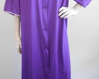 Vintage Nylon Robe Vanity Fair Purple Size Medium