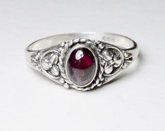 SALE Vintage Sterling Silver Red Garnet Bohemian Style Band Ring Size 8.25
