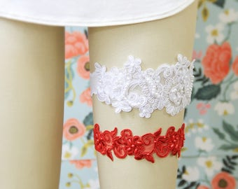 Weding Garter Set, White and Red Beaded Lace Wedding Garter Set, White Lace Garter Set, Red Wedding Garter / GT-44