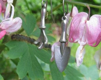 Trowel and Claw Earrings - LT138- Garden Gifts for Gardeners- Gardening Jewelry