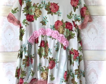 Roses N' Roses Romantic Breezy Go Everywhere Tunic