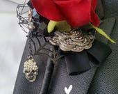 Skull wedding, button hole, boutonniere, alternative, Vintage, retro, gothic, wedding flower, corsage, skull wedding alternative wedding