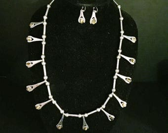 Silver Tiger's Eye necklace and earrings
