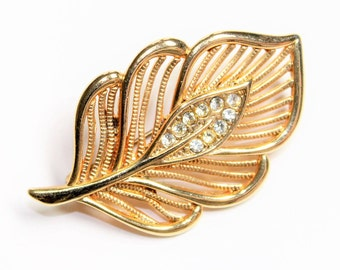 Gold Coloured Sparkly Rhinestone Diamante Leaf Vintage Brooch (c1980s)