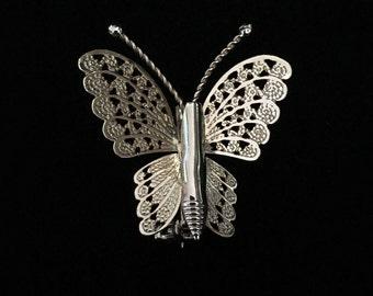 Vintage Delicate Gold Tone Butterfly Brooch (JT2)