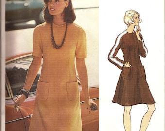 RARE Vintage Vogue Couturier Design 1960s  Valentino Designer A-Line Dress / Size 12  / UNCUT with Label  / Vogue 2819