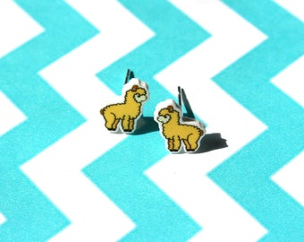Alpaca earrings, girls earrings, cute earrings, stud earrings, animal earrings, alpaca jewellery, llama earrings, kawaii earrings